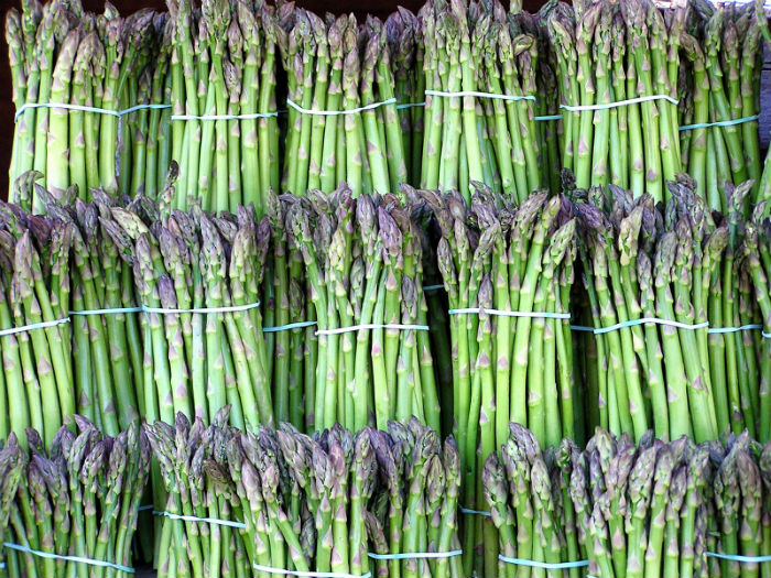 Eat me: Asparagus salad with tomato vinaigrette - Spectator Tribune